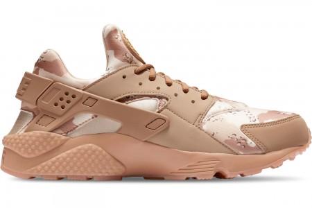 Nike Men's Nike Air Huarache Run Camo Casual Shoes - Desert Ore/Canteen/Laser Orange